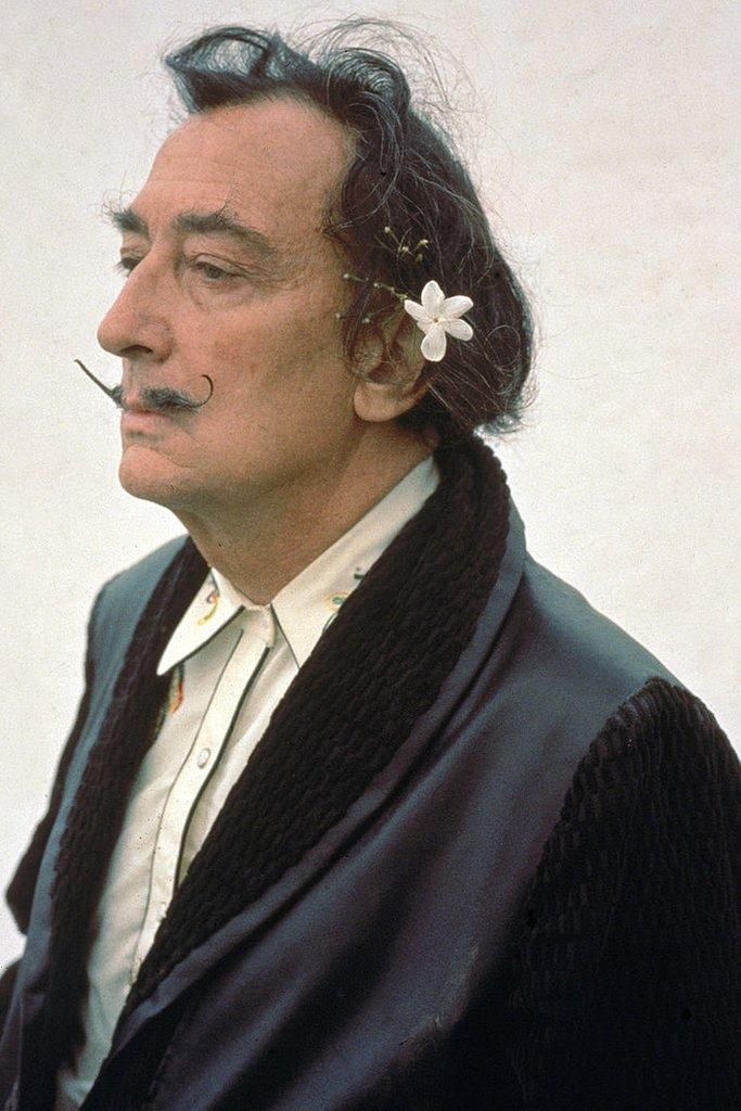 Salvador Dalí a principios de la década de 1980.