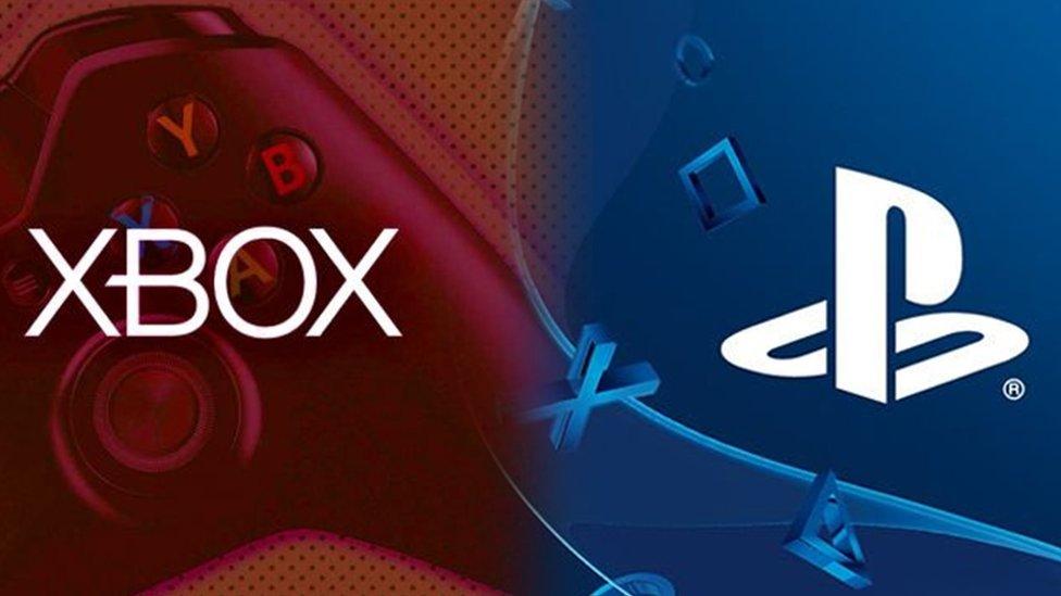 Logos de Xbox y Playstation.