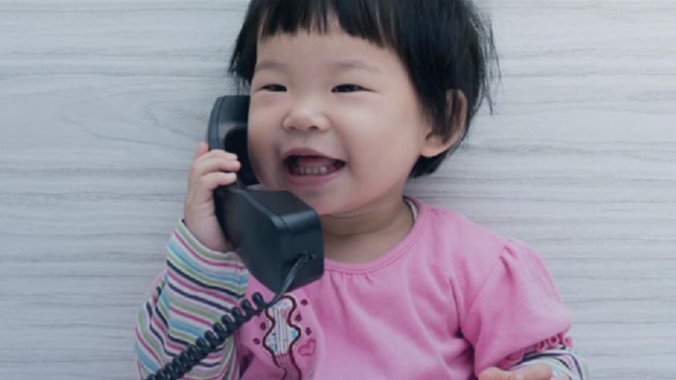 كيف يُنمي حديثك مع طفلك قدراته العقلية؟