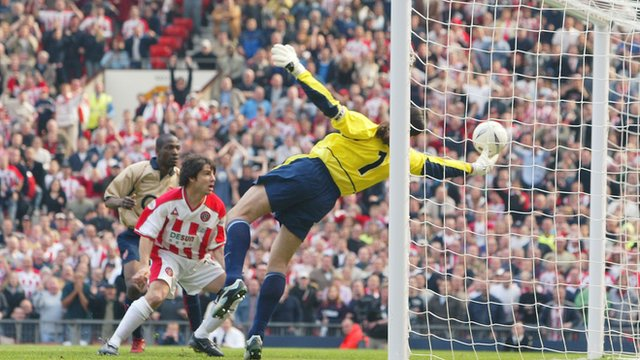 David Seaman playing for Arsenal in the FA Cup