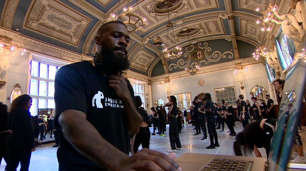 BBC News - Beyoncé's choreographer brings 'Flawless' dancing to London
