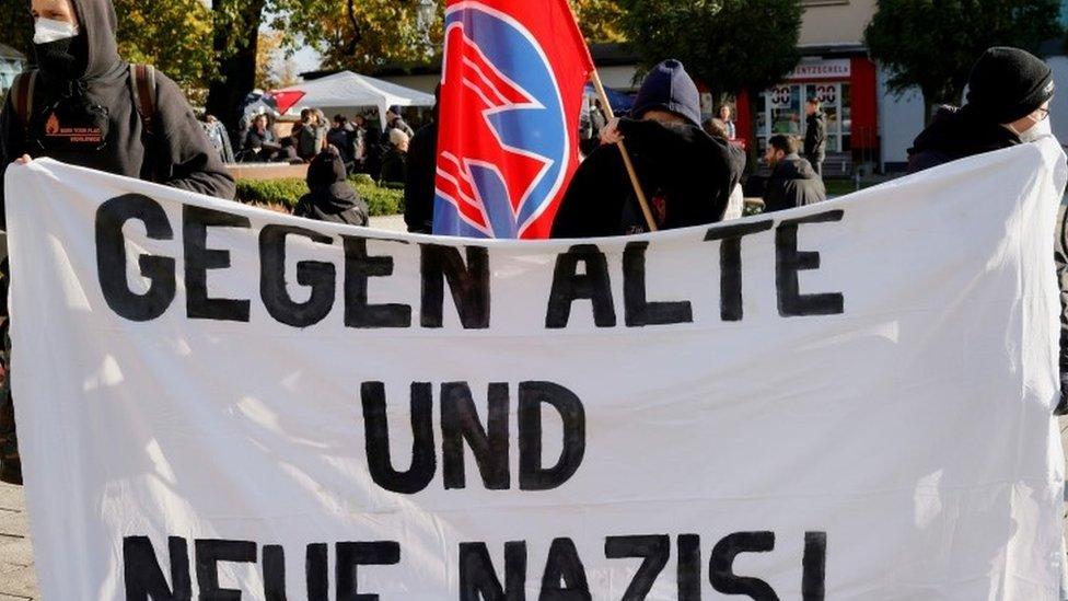 Ультраправые в Германии вооружались, чтобы не пускать мигрантов, проникших через Беларусь в Польшу