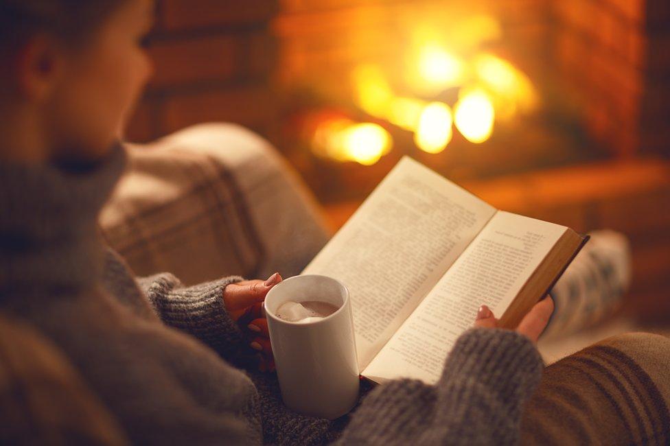 knjiga i kafa