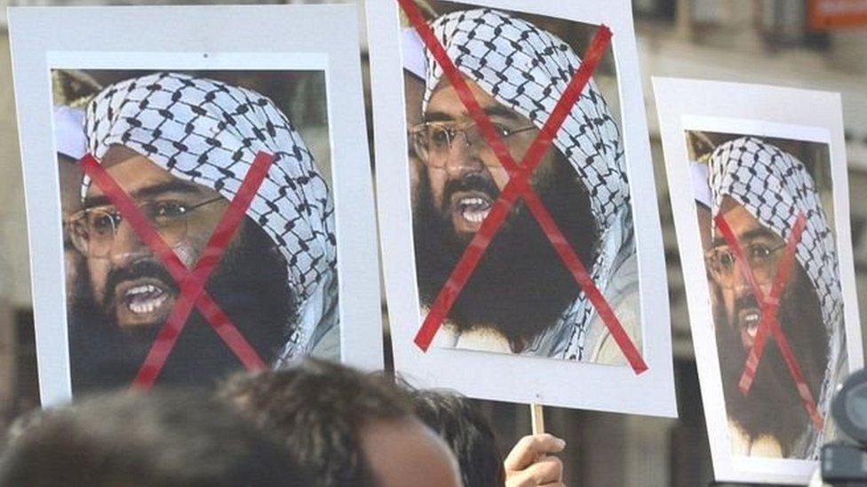 पाकिस्तान में चरमपंथी संगठनों को मुख्यधारा में लाना कितना संभव