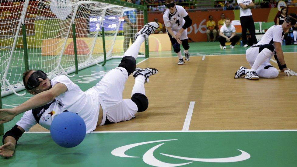 Competição de goalball na Rio 2016
