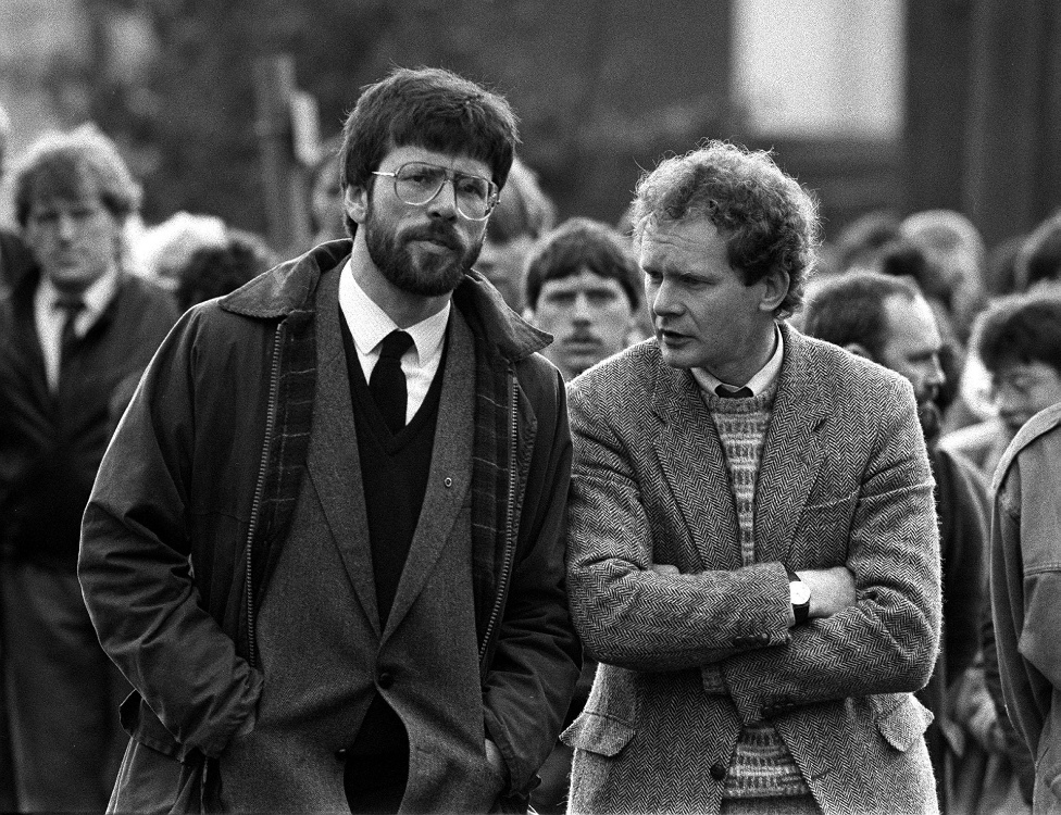 Gerry Adams y Martin McGuinness.