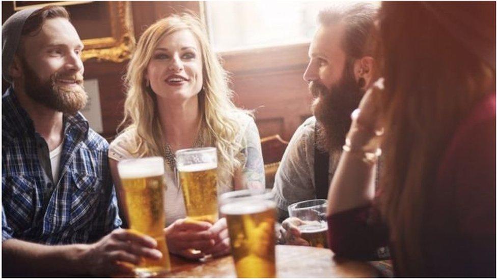Чому в Британії може бути дефіцит пива