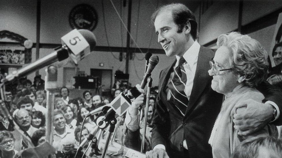 Senador Joe Biden y su madre en 1978