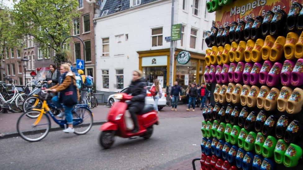 Tienda con suecos en Ámsterdam