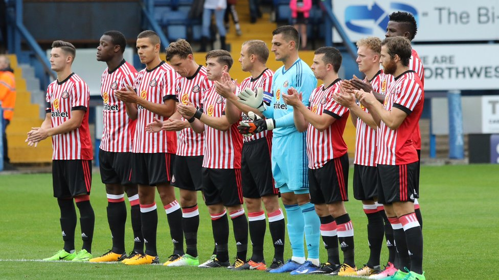 Applause for Bradley Lowery