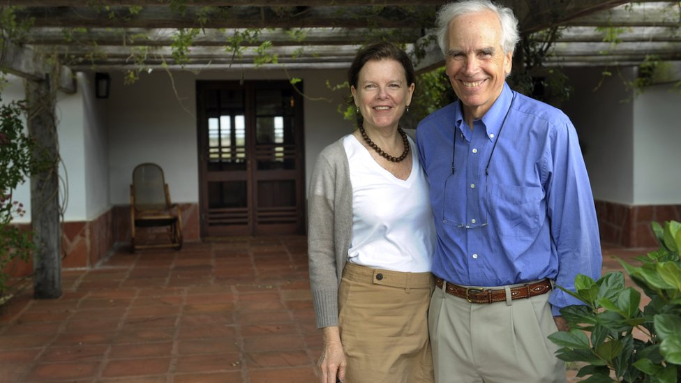 US billionaire Douglas Tompkins and his wife Kristine pose in the front of their house at the estate 'Rincon del Socorro' in Ibera, near Carlos Pellegrini in Corrientes Province, Argentina, on November 5, 2009
