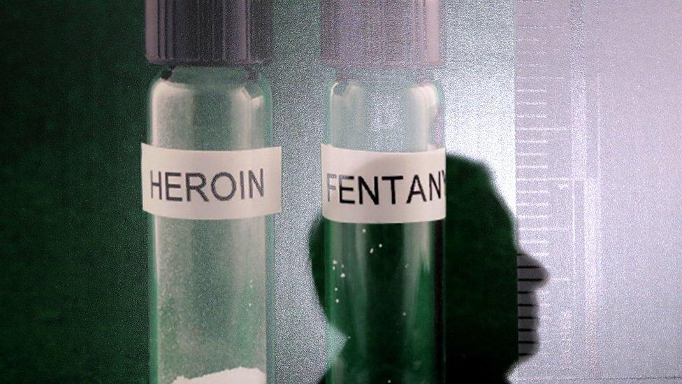 Muestras de heroína y fentanilo NO USAR / BBC