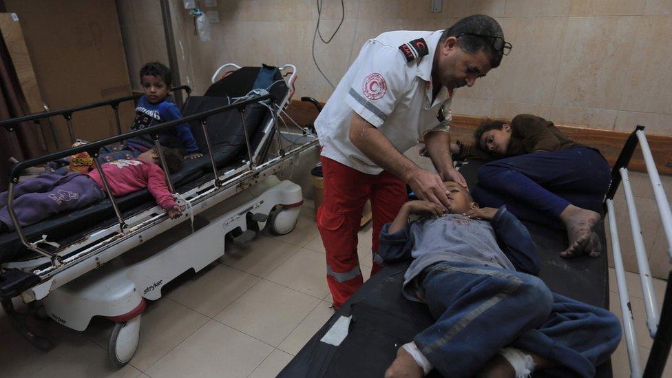 مصابون فلسطينيون