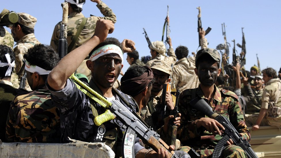 Newly recruited Houthi fighters shout in Sanaa, Yemen, 03 January 2017.