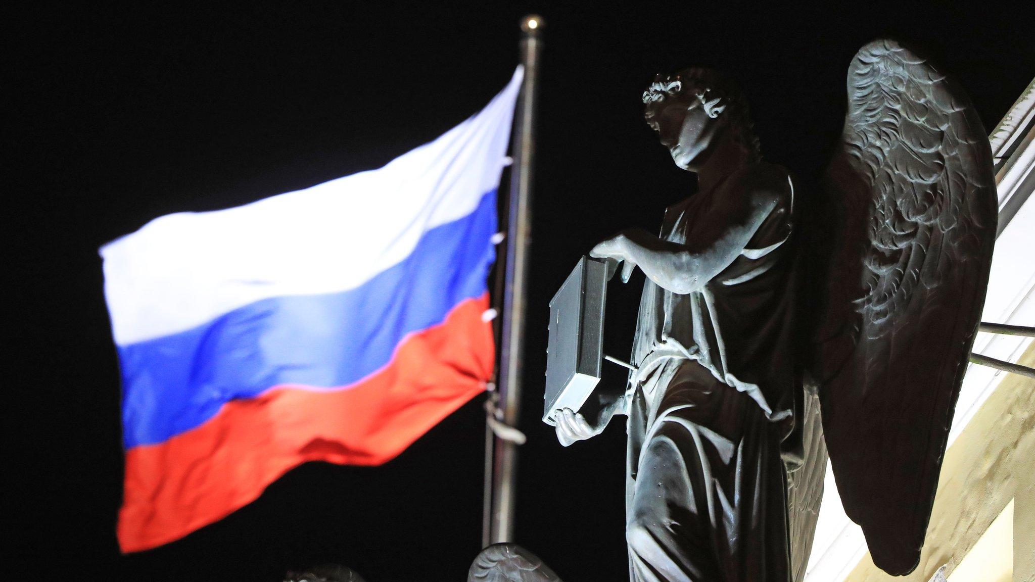 Обет молчания и пожизненное сенаторство. Как реформируют Конституционный суд России