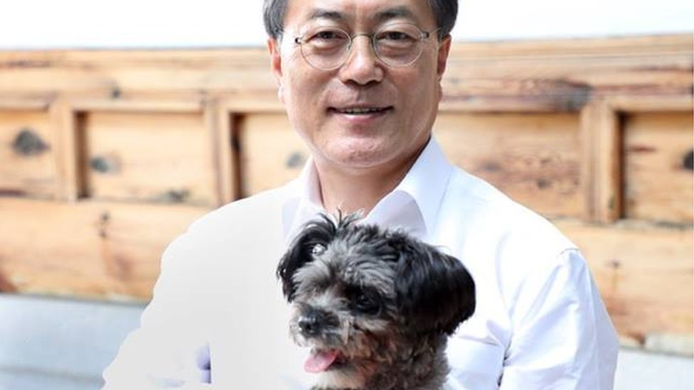South Korean President Moon Jae-in with his new dog Tory