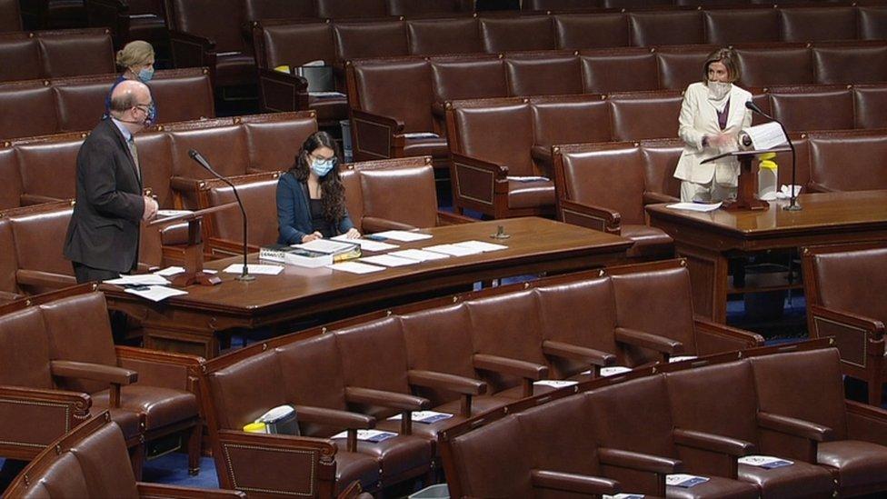 Virus corona: Quốc hội Mỹ thông qua dự luật cứu trợ kinh tế 484 tỷ đô la -  BBC News Tiếng Việt