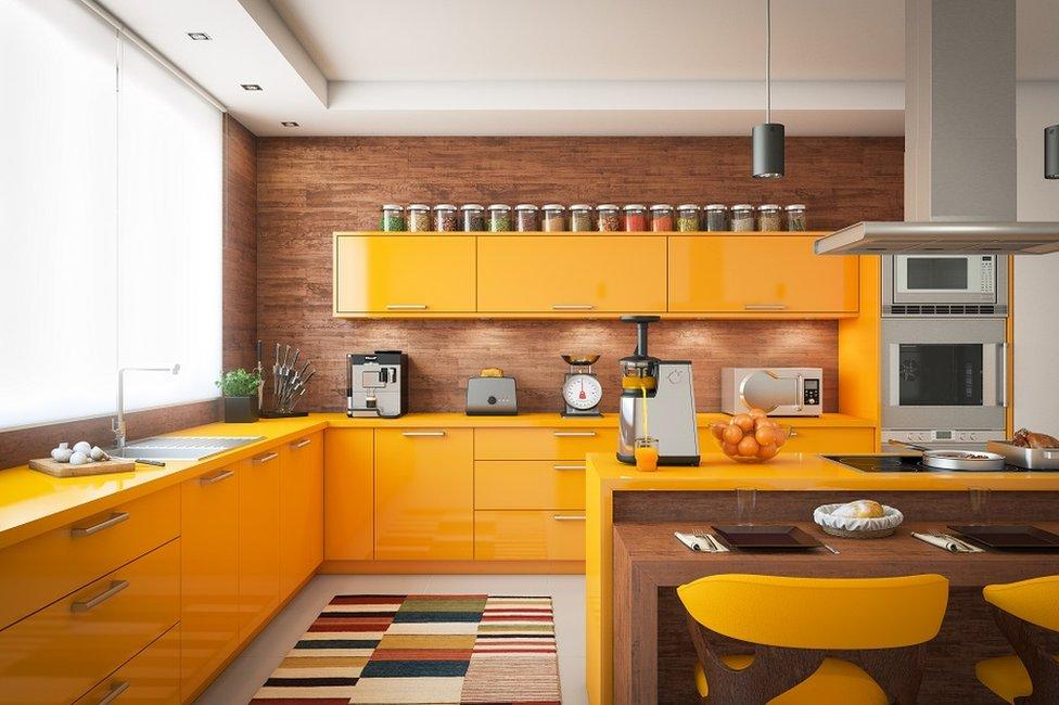 أهلا بك في المطبخ كل ما تحتاجه لتحويل النشويات مايكرويف وبراد