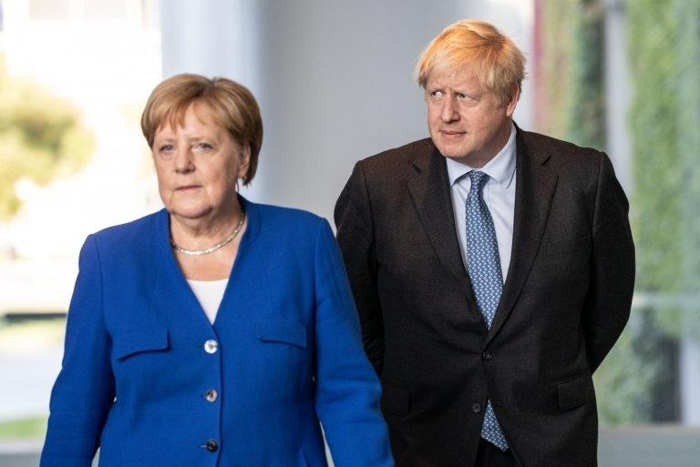 Almanya Başbakanı Angela Merkel ve İngiltere Başbakanı Boris Johnson