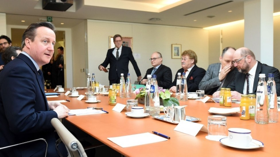 David Cameron and European Parliament President Martin Schulz at talks