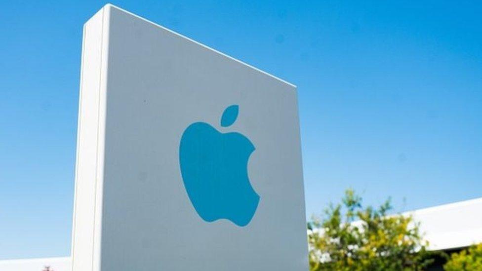 """""""Секретний"""" безпілотний автомобіль Apple вперше потрапив у аварію"""