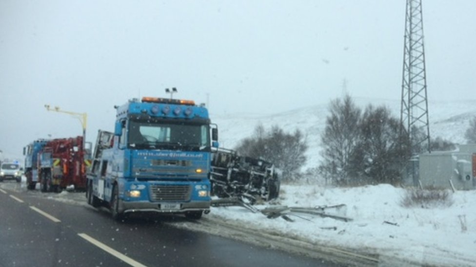 Overturned lorry on A9
