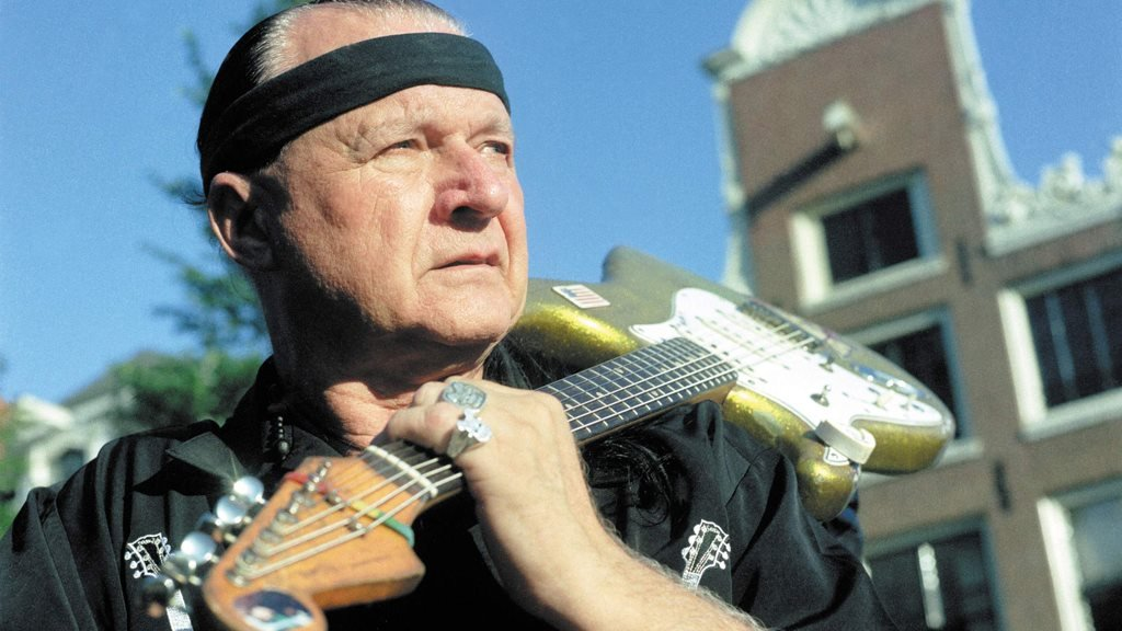 Dick Dale: 'King of Surf Rock' guitarist dies aged 81