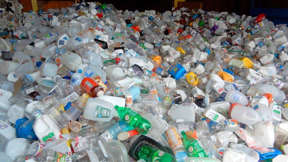 Botellas y otros productos plásitocs