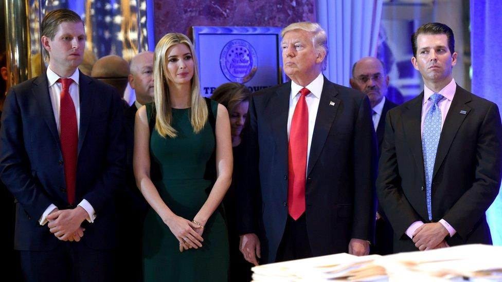 Donald Tramp sa sinom Erikom, ćerkom Ivankom i sinom Donaldom