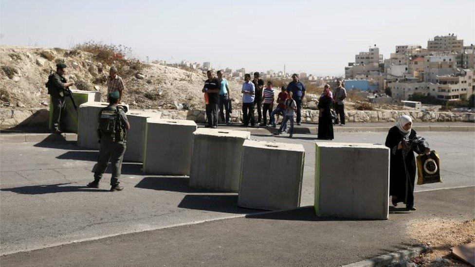 Israeli roadblock in East Jerusalem (16/10/15)