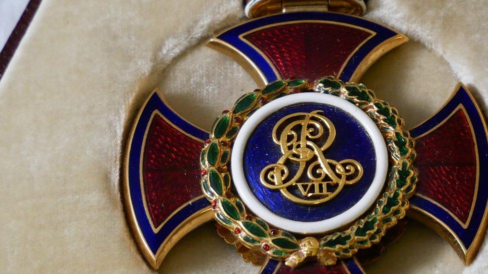 BBC News - Stolen Edward Elgar medals recovered