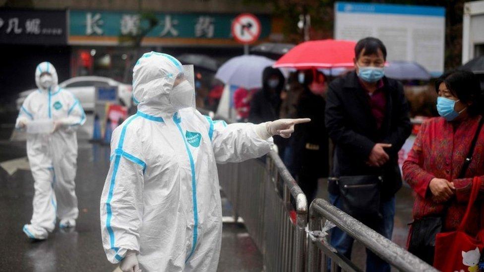 chuyên viên y tế cấp cao của Trung Quốc bất ngờ thừa nhận việc hủy mẫu virus Vũ Hán,