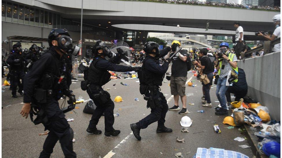 6月12日的示威場面