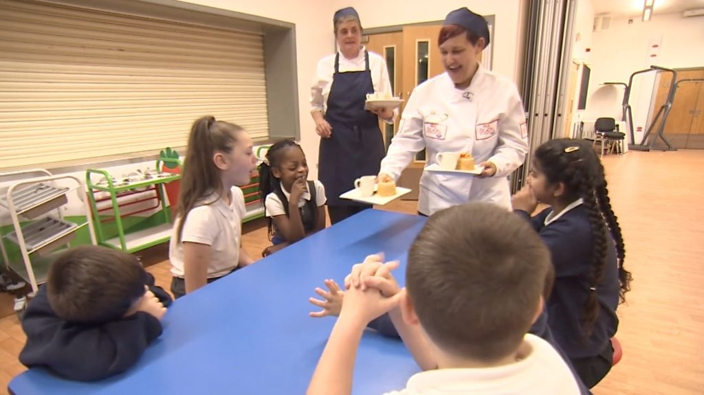 London's best school chef serves dinner with a smile