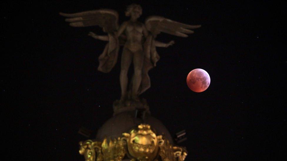 totalno pomračenje Meseca u Madridu