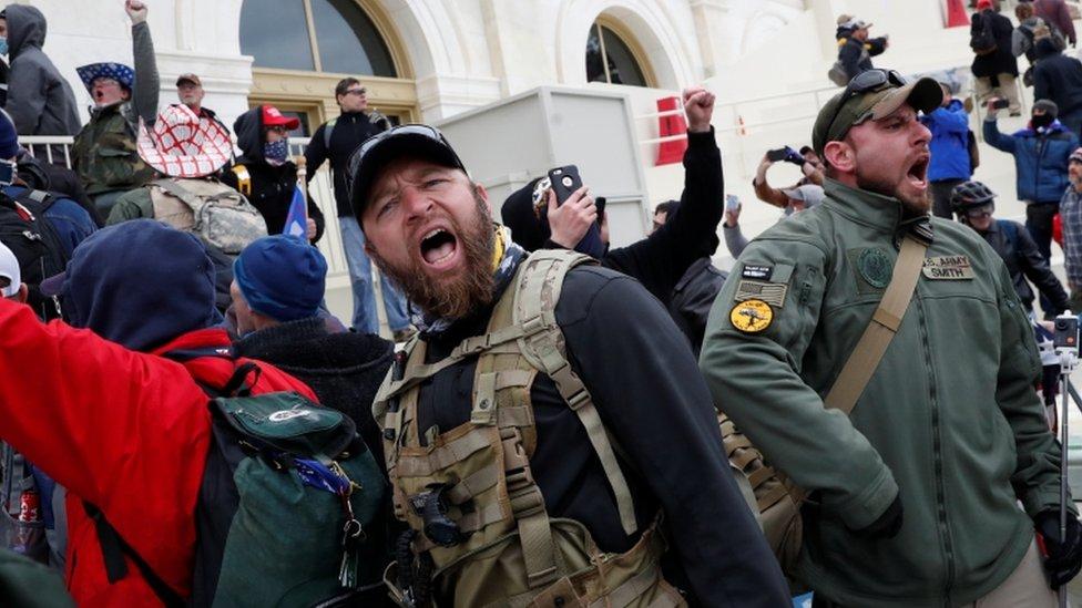 Manifestantes pro Trump frente al Capitolio