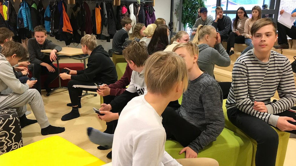 Los alumnos se conectaron con estudiantes alemanes para comparar sus conocimientos sobre la inmigración.