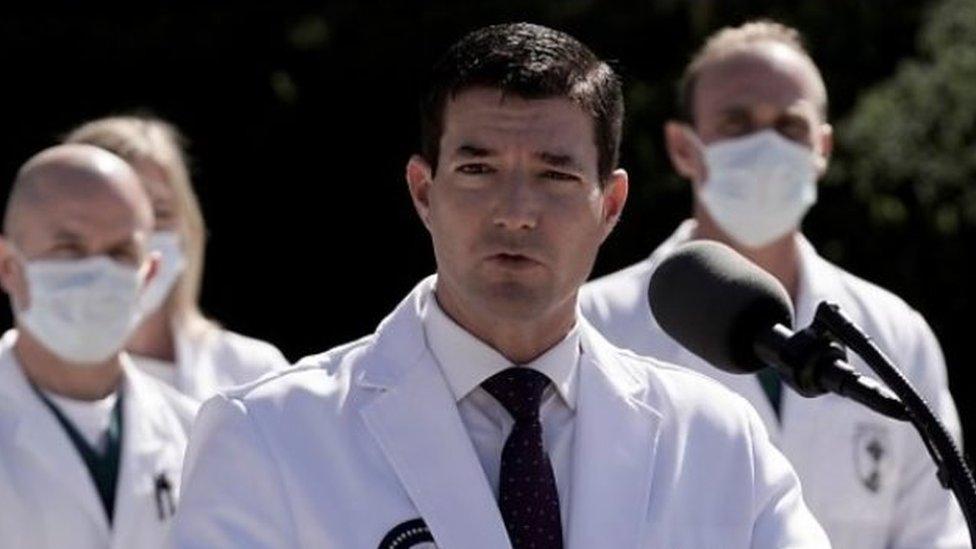 康利醫生和醫療團隊其他醫生向媒體通報特朗普的治療情況