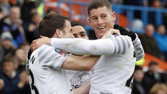Ross Barkley of Everton celebrates