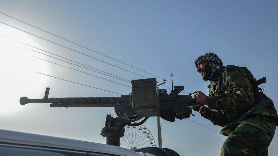 Афганистан: талибы наступают, президент Гани винит в этом Вашингтон