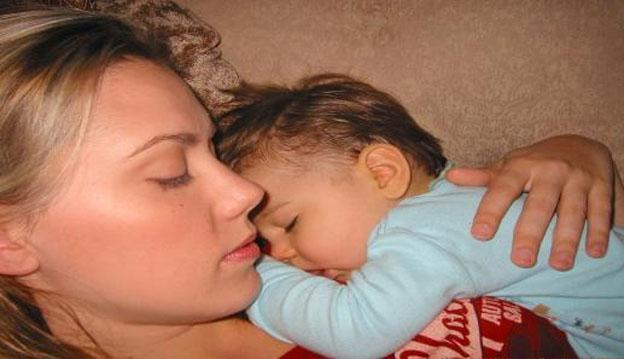 Kendra Scott con su primer hijo.