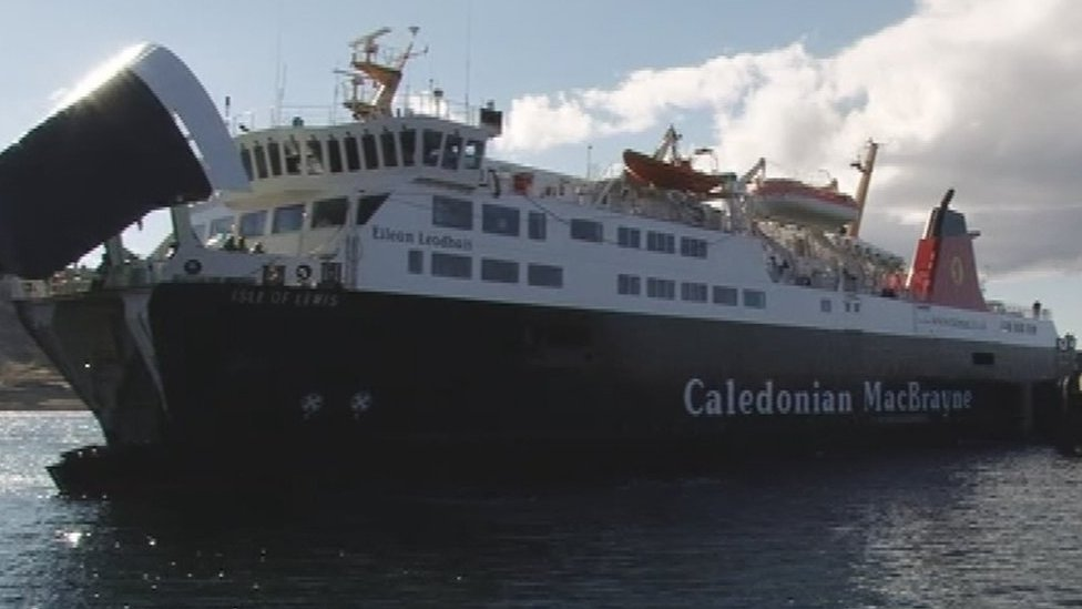 Barra's mainland ferry service resumes after breakdown