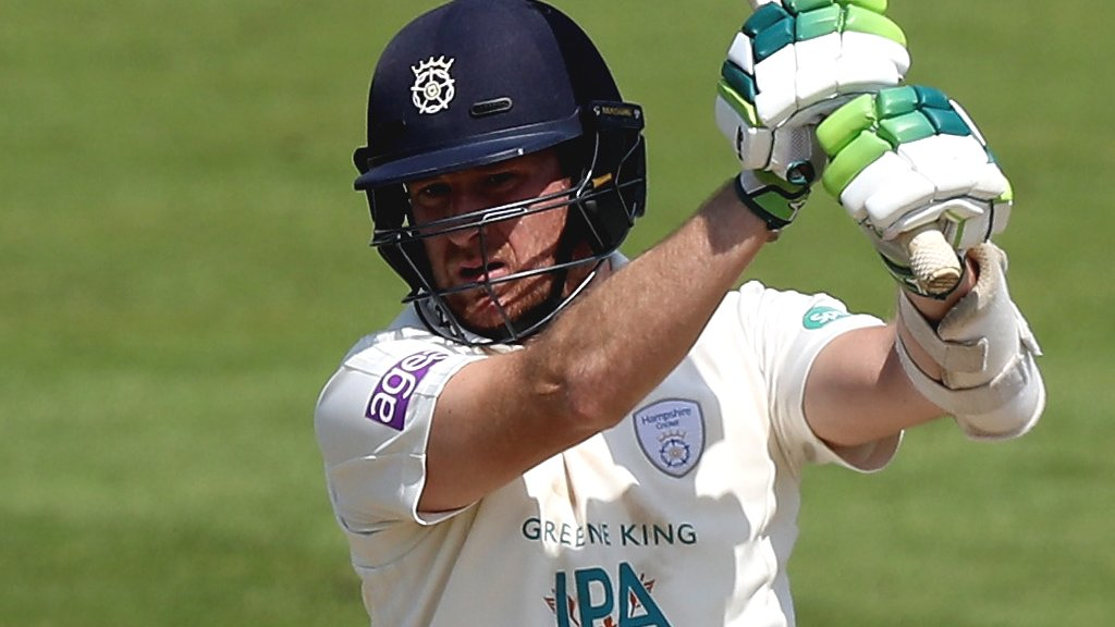 County Championship: Hampshire's Liam Dawson and Kyle Abbott frustrate Notts