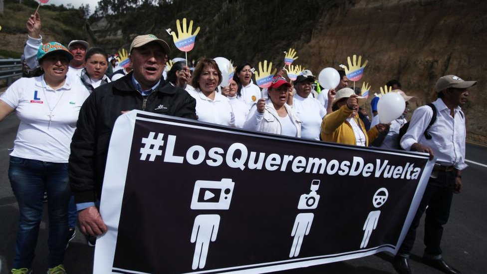 Protesta tras la desaparición de tres periodistas en Ecuador.