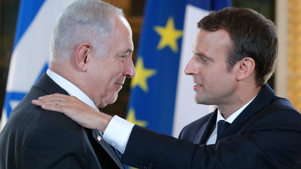 French President Emmanuel Macron and Israeli Prime Minister Benjamin Netanyahu react after making a joint declaration at the Elysee Palace in Paris, France, 16 July 2017.