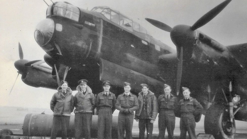 Tributes paid to RAF Bomber Command veteran Harry Irons