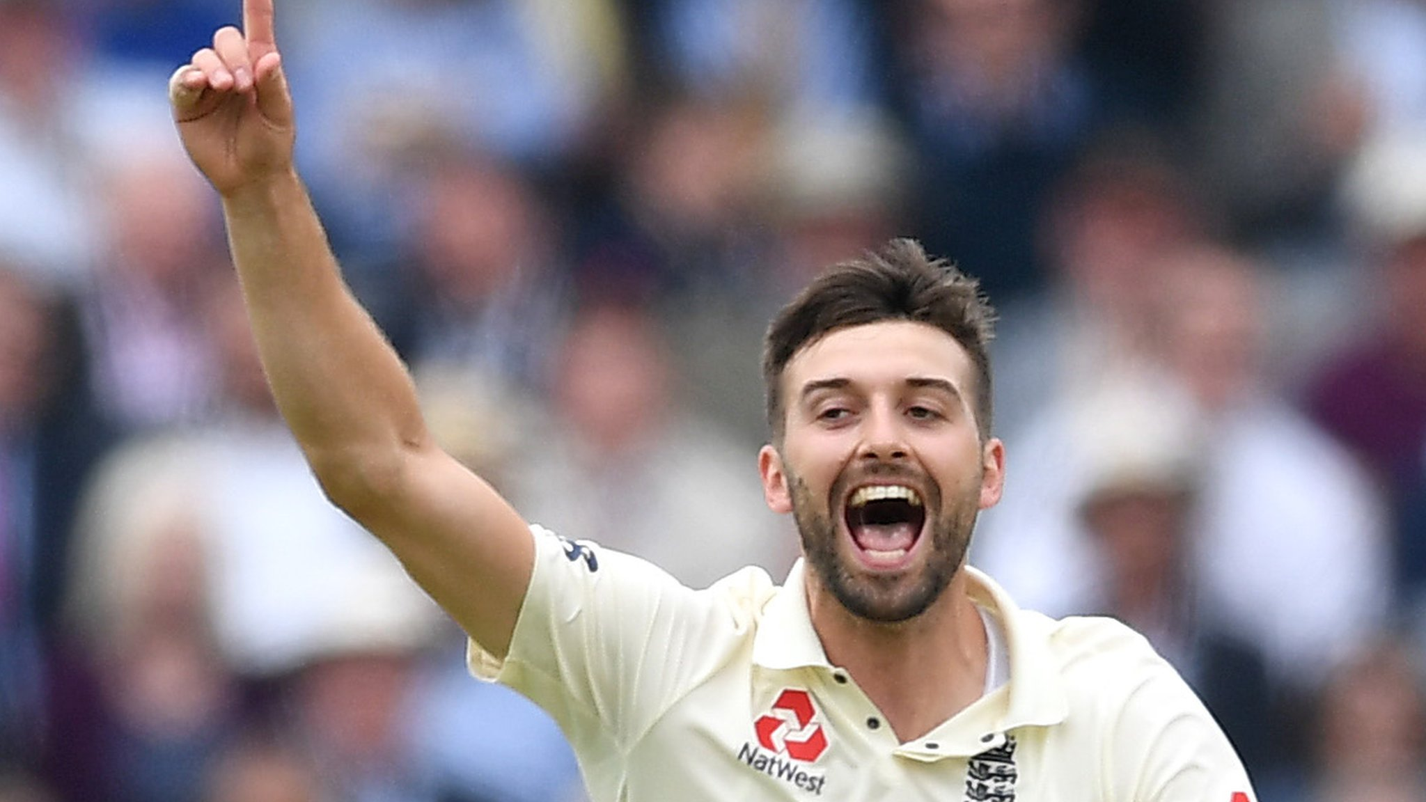 England v Pakistan: Mark Wood removes Haris Sohail