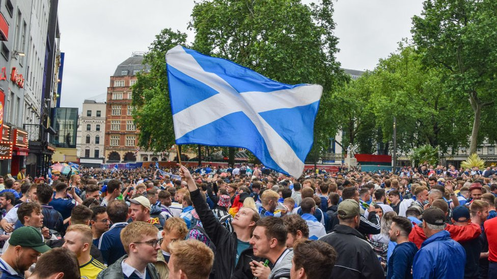 مشجعو اسكتلندا في ليستر سكوير