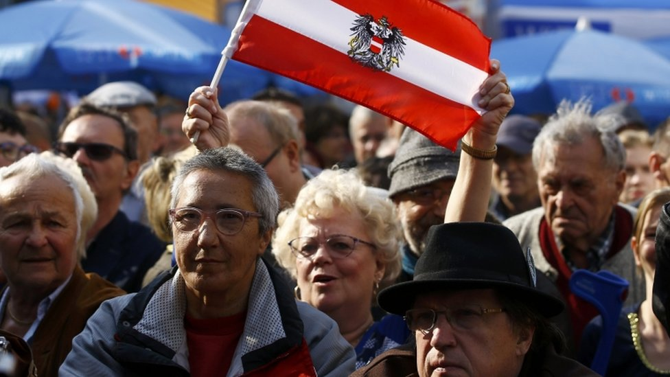 Supporters of Austrian far right Freedom Party presidential candidate Hofer attend his final election rally in Vienna