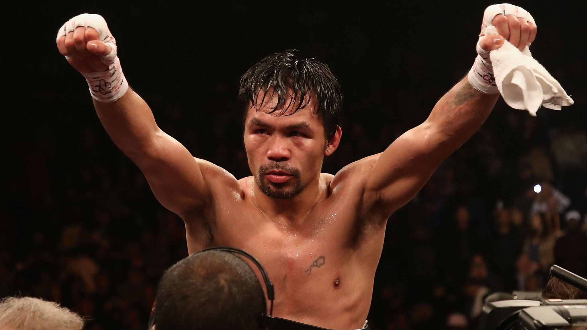 Pacquiao outclasses Broner to retain welterweight world title